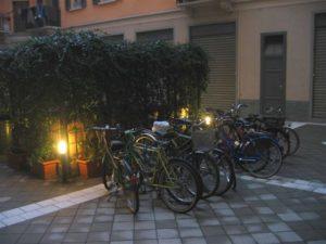 biciclette in cortile