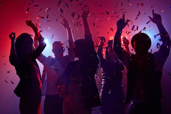 vicino di casa organizza molte feste come farlo smettere